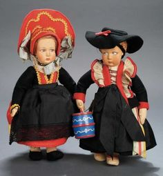 Apples - An Auction of Antique Dolls: 332 Two Italian Felt Dolls,Series #60,by Lenci
