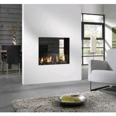 De #Element4 Bioptica is een royale doorkijk #gashaard die uitermate geschikt is als afscheiding tussen twee ruimtes. #Gaskachel #Kampen #Interieur #Fireplace #Fireplaces