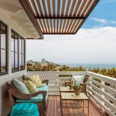 Carolyne Ferguson and California Homes #interiordesign #lagunabeach #hometour #porch