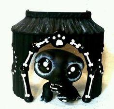 croc of bones' lps cute Custom Lps, Lps Accessories, Lps Pets, Lps Littlest Pet Shop, Moshi Monsters, Little Pet Shop, Album Covers, Box Covers, Kawaii