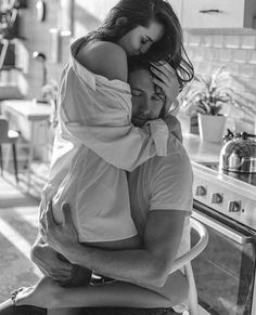 your sighs are my air. your skin is my sunlight. the taste of your kisses are every flavor I desire. Hugs And Kisses Couples, Cute Couples Kissing, Hot Couples, Cute Couples Goals, Romantic Photos, Romantic Couples, Cute Couple Pictures, Love Couple, Couple Goals
