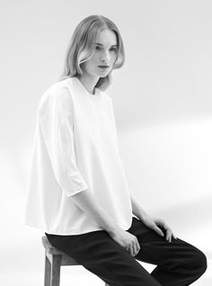 Simplicity - minimal tailoring, clean understated style // COS