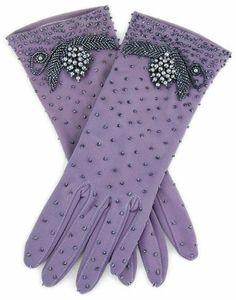Purple Love, Mode Purple, Purple Lilac, All Things Purple, Shades Of Purple, Deep Purple, Gants Vintage, Vintage Gloves, Malva