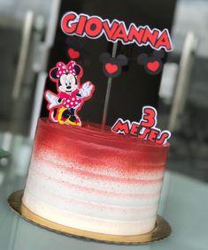 Bolo da Minnie: 95 fotos lindas + passo a passo para uma festa graciosa Bolo Fake Minnie, Flora, Pink Palette, Confectionery, Cute Photos, Birthday Decorations, Vanilla Cake, Cake Decorating, Birthdays