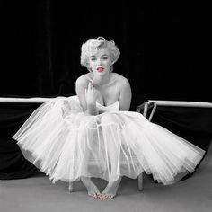 Marilyn Monroe beautiful colour splash photography