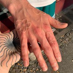 Hand Tattoos, Dainty Tattoos, Pretty Tattoos, Body Art Tattoos, Small Tattoos, Cool Tattoos, Tatoos, Hand Poked Tattoo, Dream Tattoos