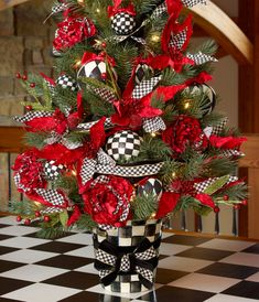 A classic Courtly Check tree!