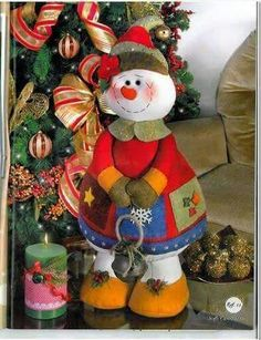 Christmas Snowman, Christmas Time, Christmas Stockings, Christmas Wreaths, Christmas Crafts, Christmas Ornaments, Snowman Crafts, Felt Crafts, Easy Christmas Decorations