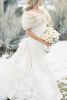 Weddings Ideas, look at this truly clever wedding example reference 8268847805 now. Winter Wedding Fur, Winter Weddings, Fall Wedding, Wedding Ideas, Christmas Wedding, Wedding Photos, Vintage Fur, Vintage Bridal, Fur Stole