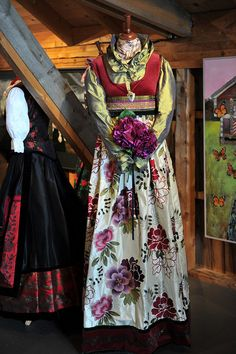 Like.. Folk Costume, Costumes, Folk Clothing, Going Out Of Business, Traditional Outfits, Scandinavian, Cool Style, Fashion Dresses, Culture