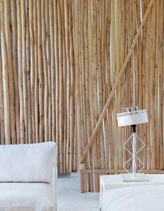 Hoyme voy a dedicar a mostrarosuna casa puramente mediterránea. El diseñador de interiores AnnickLestrohanha rediseñado el interior de ...