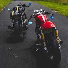 ▪Red or Black? www.kaferacers.com Image by @thruxtonboys . . #rocker #scrambler #bikelife #vintage #motorcycle #caferacergram #caferacer…
