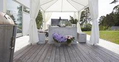 Kebony Terrassenbelag aus Echtholz, das durch biobasierte Behandlung besonders haltbar gemacht wird. Info: www.holzforum.online