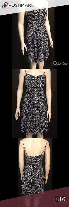 Old Navy White & Navy Blue Fit and Flare Dress Spaghetti straps. Zipper and clasp closure in the back. Measurements available upon request. Old Navy Dresses