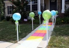 Love the lollipop enterance A Candyland Birthday Party | charminglittlenest.com