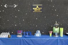 Star Wars Birthday Party Inspiration for your Boba Fett buffet, Droid Drinks, Yoda Soda, fondant cake, and a Dark Side Movie viewing station in a limo party bus! Limo Party, Star Wars Birthday, Stars, Sterne, Star