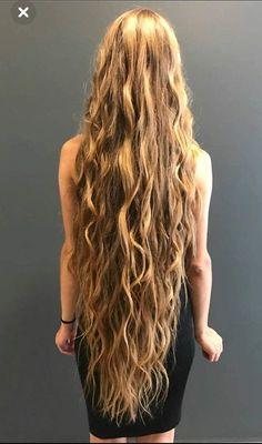 Very long hair with waves Super Long Hair, Long Curly Hair, Long Red Hair, Dark Hair, Brown Hair, Really Long Hair, Beautiful Long Hair, Gorgeous Hair, Curled Hairstyles