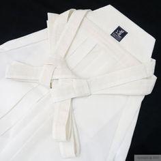 Why do yudansha wear hakama? what color? when? learn more!