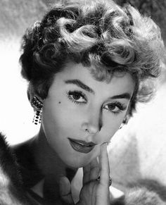 I think Kay Kendall was one of the most beautiful actresses ever . Hollywood Icons, Old Hollywood Glamour, Hollywood Actor, Vintage Hollywood, Hollywood Stars, Hollywood Actresses, Classic Hollywood, Vintage Glamour, Vintage Ladies