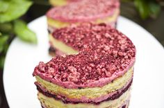 Seasonal fruit fillings for a Berry Crunch Cake