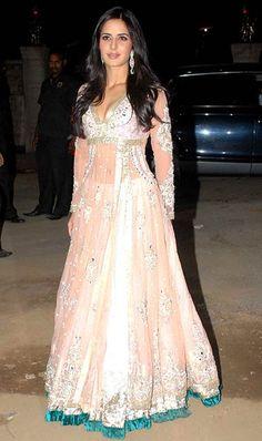 Katrina Kaif Bollywood Actress Gorgeous Anarkali Frocks 2015-16 (4)