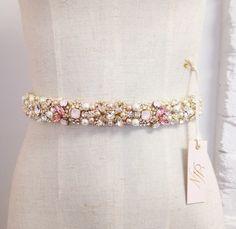 Ombre fard à joues cristal nuptiale ceinture Swarovski Broderie Haute  Couture, Broderie Perlée, Motifs 097def12553
