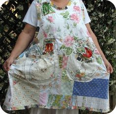 """Tea with Botanical Betty Smock apron by calamity kim. Love the """"What the heck"""" feeling of this apron! Aprons Vintage, Vintage Quilts, Sewing Aprons, Linen Apron, Granny Chic, Altered Couture, Linens And Lace, Textiles, Refashion"""