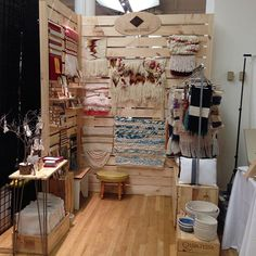 All set up and ready for @renegadecraft. I'm going to be at the Metropolitan Pavilion  from 11 am until 6 pm l, stop by and say hi! #RenegadeNYC #thewovencraft #weaving #loom #tapestry #fiberart #tapiz #tejer #tejido #telar #loom