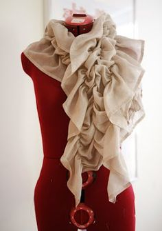 TUTORIAL on how to make this scarf -- quick and easy!  Presserfoot.com: Inspiration Anthro : Catch and Release Scarf