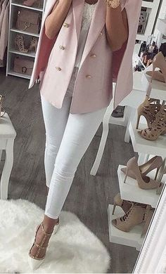 Trendy Thanksgiving Outfit Ideas To Copy ASAP - - fashion trends / pink blazer + top + white skinnies + heels Source by ivanacamarena Outfit Chic, Casual Chic Outfits, Winter Fashion Outfits, Fall Outfits, Style Outfits, Pink Blazer Outfits, Fashion Dresses, Outfit Work, Heels Outfits