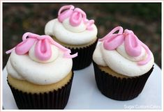 Google Image Result for http://www.thecakeblog.com/wp-content/uploads/2011/06/ballerina_cupcakes1.jpg