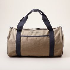 Particularly when it is on sale at -70%. Cotton sports bag by American Vintage.