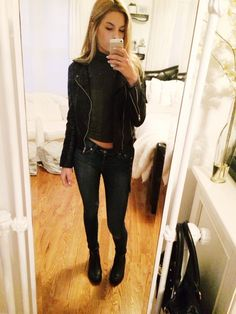 Levi skinny jeans, Brandy Melville turtleneck crop top and leather jacket, Topshop chelsea boots