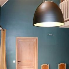 A great alternative to charcoal, use it to inject a hint of colour into a super contemporary home, or create a moody feel by combining it with Black Blue or Vardo. Inchyra Blue, Contemporary, Colours, Kitchen Colour Schemes, Home Decor, Blue, Paint Colors, Contemporary House, Farrow Ball