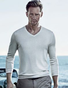 ALEXANDER SKARSGARD....this is basically what my husband looks like.