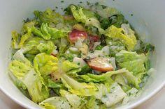 Das perfekte Grüner Salat mit Nektarinen und Joghurtdressing-Rezept mit einfacher Schritt-für-Schritt-Anleitung: Salat putzen, waschen und gut abtropfen…