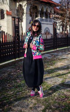 Traditional patterns going digital: digital patterns jacket, traditional patterns, romanian traditional patterns, black skirt, balloon skirt, pink shoes, lana dumitru jacket
