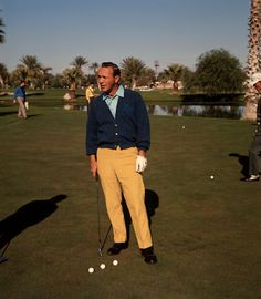 You'll Never Guess What Kind of Drink Arnold Palmer Ordered At The Masters Golf Images, Golf Pictures, Golf Fashion, Fashion Men, Arnold Palmer, Vintage Golf, Golf Player, Mens Golf, Golf Outfit