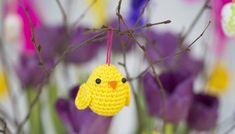 Virka söta påskkycklingar till riset   Allas.se Diy And Crafts, Crafts For Kids, Easter Crochet, Textiles, Crochet Animals, Easter Eggs, Free Crochet, Marie, Crochet Earrings