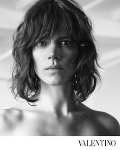 6,669 отметок «Нравится», 28 комментариев — Valentino (@maisonvalentino) в Instagram: «The #FallWinter1718 Campaign captures contemporary women in a black and white signature portrait…»