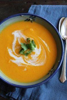 La soupe « bonne mine » : carotte et noix de coco onctueuse