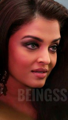Aishwarya Rai Makeup, Actress Aishwarya Rai, Aishwarya Rai Bachchan, Bollywood Style, Beautiful Bollywood Actress, Beautiful Indian Actress, Bollywood Fashion, Indian Actress Images, Indian Actresses