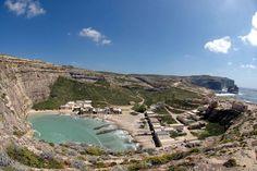 COSA NON PUOI PERDERTI A MALTA •Una visita alla capitale di Malta, la lillipuziana La Valletta •Lo spettacolo naturale di Dwejra Bay •Un tuffo alla Blue Lagoon di Comino, un rito imprescindibile •I maestosi templi megalitici di Ggantija •La mitologica Ramla Bay, dove Ulisse incontrò Calipso http://www.jonas.it/vacanze_Malta_781.html