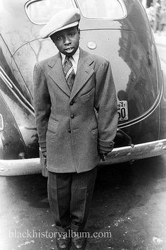 Sharp Dressed Young Man, 1941    African American teenage boy dressed up for the Easter parade, Chicago, Illinois, 1941. Photographer Edwin Rosskam for the U.S. Office of War Information.    Vintage African American photography courtesy of Black History Album, The Way We Were.    Follow Us On Twitter @blackhistoryalb