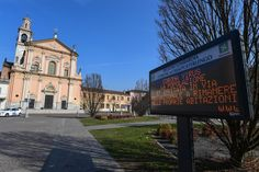 Warning information at the village of Casalpusterlengo in southeastern Milan. Photo: CNN Reuters and Italian media quoted Lombardy (Italy) health Foyers, The Third Person, U.s. States, African Countries, Wuhan, Washington State, Verona, South Korea, Venice