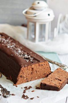 Gesztenyés alagút – sütés nélkül – Rupáner-konyha Sweet Desserts, No Bake Desserts, Vegan Desserts, Sweet Recipes, Cake Recipes, Dessert Recipes, Clean Eating Sweets, Eat Dessert First, Healthy Cookies
