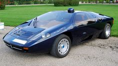 isdera imperator 108i - features a periscope rear-view mirror.