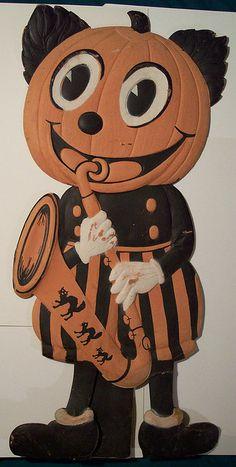 Vintage German Halloween Diecut Large Pumpkin Man with Sax Vintage Halloween Photos, Retro Halloween, Halloween Items, Halloween Pictures, Halloween Outfits, Holidays Halloween, Happy Halloween, Halloween Decorations, Halloween Clothes