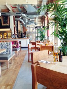 Une cantine healthy pour le déjeuner : Flax & Kale / Ciutat Vella. Carrer dels Tallers, 74, 08001 Barcelona, Espagne, Tel.+34 933 17 56 64.