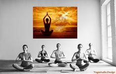 Fotoprodukt Yoga Asana Lotussitz mit Lotus onFire Symbol im SonnenlichtDas Fotomotiv 'der Lotusitz (Meditationshaltung)' am Meer in wundervoller Lichtatmosphäre, die Sonne in dein Leben bringt. Die Wanddeko in verschiedenen Fotoropukten erhältlich erinnert an Urlaub und verbreitet postive entspannte Atmosphäre.Das Lotus onFire Symbol ist auch als Wandtattoo erhärltlich Hier.#yogastudiodesign#wanddeko Yoga Studio Design, Bohostyle, Am Meer, Beatles, Lotus, Meditation, Accessories, Photo Mural, Lotus Flower